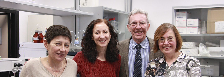 Jean Pierre Sauvage con investigadoras en quimica del Campus de Gandia UPV