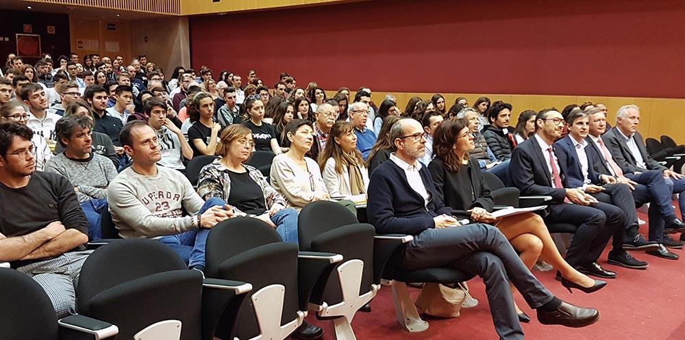 Público asistente conferencia